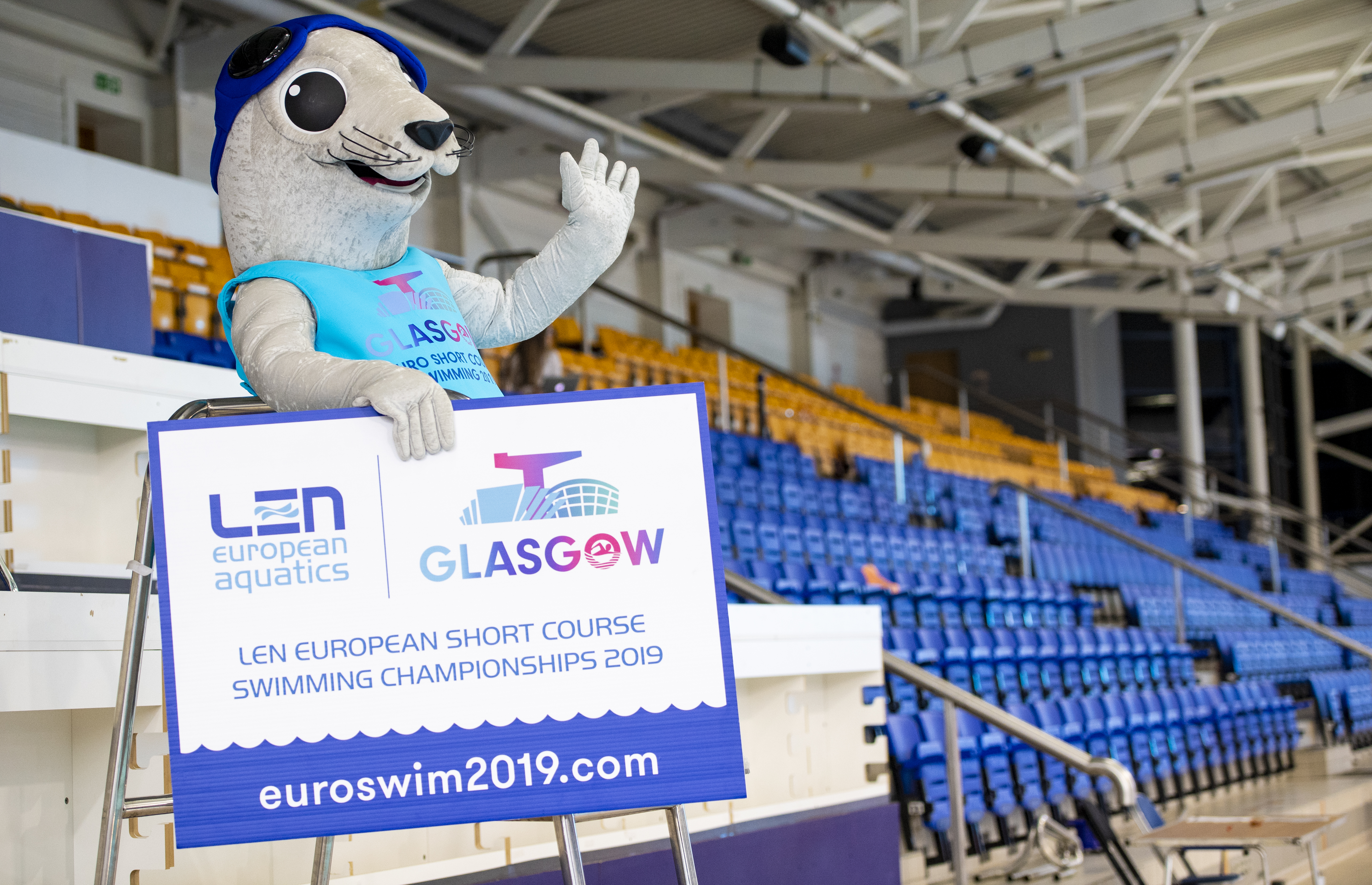Fan Favourite Bonnie The Seal Returns To Glasgow As The Official Mascot For Len European Short Course Swimming Championships 2019